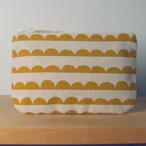 Pochette festons moutarde