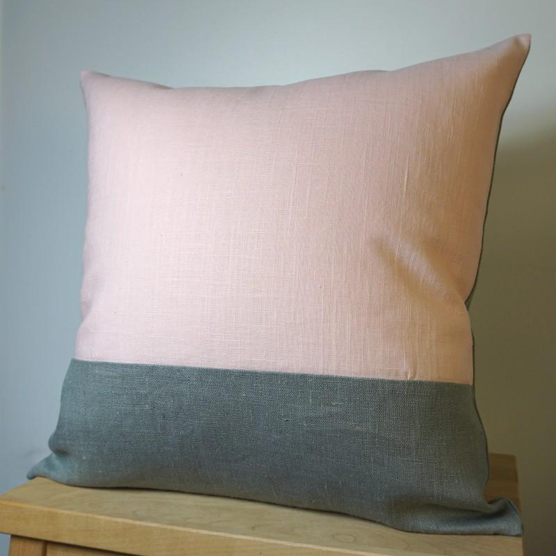coussin gris et rose en lin 40x40 cm