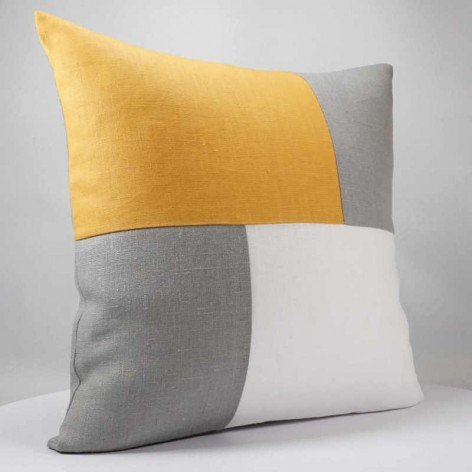 Coussin graphique moutarde gris et blanc
