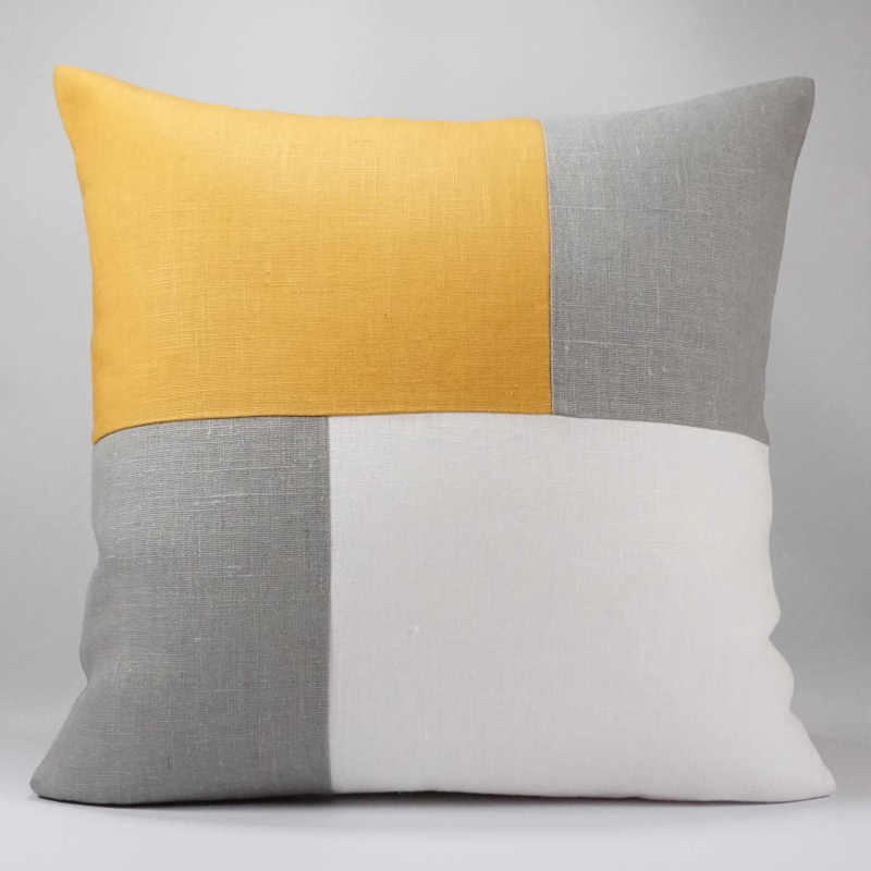 coussin-graphique-gris-blanc-moutarde