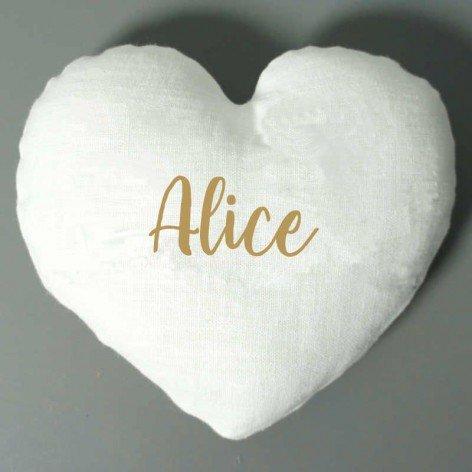 Coussin coeur personnalisé en lin blanc et prénom doré
