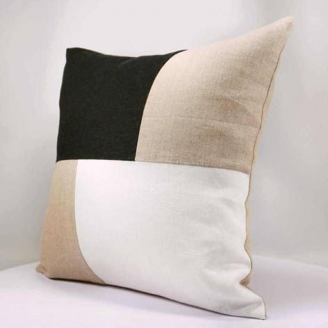 coussin noir et blanc design graphique