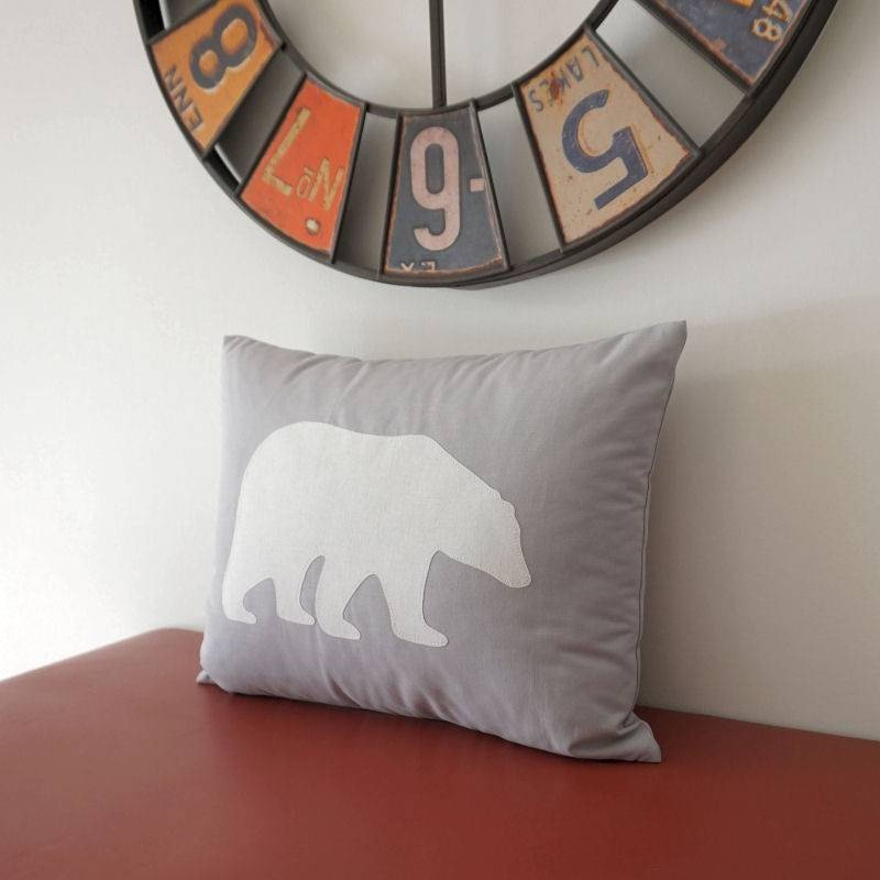 Décoration chambre bébé et enfant - Coussin pour enfant ours polaire blanc