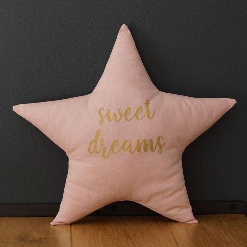 Coussin étoile rose, décoration chambre bébé et enfant