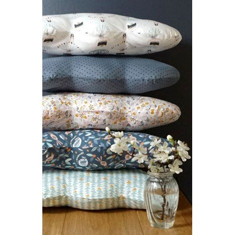 Coussin nuage chambre fille