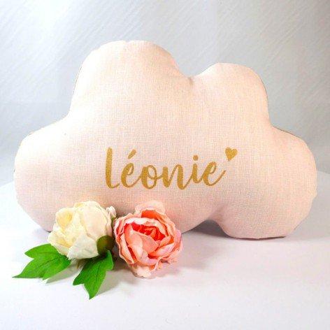 Coussin nuage personnalisé en lin rose et prénom doré