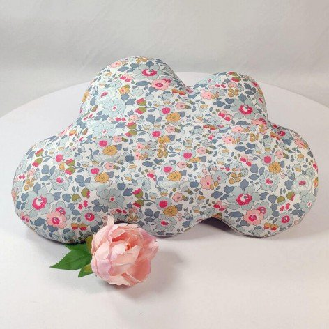 coussin nuage liberty betsy porcelaine