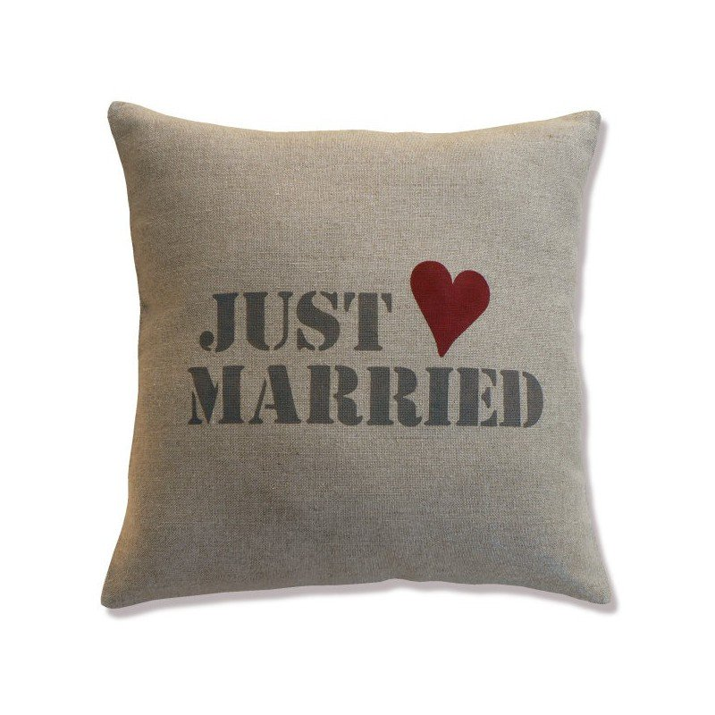 "coussin lin inscription ""just married"""