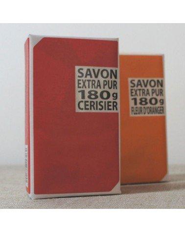 LOT 2 SAVONS N°3